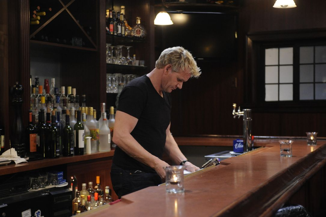 "Kann Gordon Ramsey auch den ""Spanish Pavillion"" vor dem Ruin retten? - Bildquelle: Jeffrey Neira Fox Broadcasting.  All rights reserved."