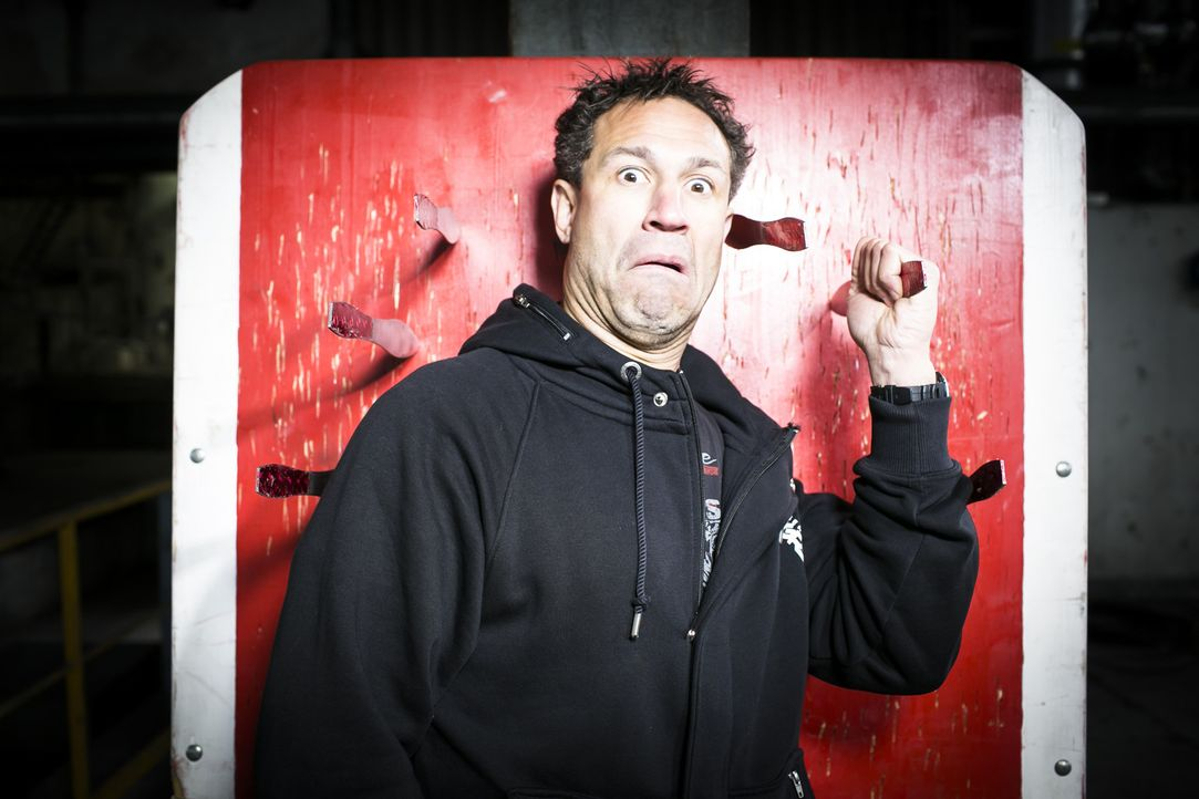 """Eine explosive Wissens-Tour-de-Force verspricht das neue TV-Magazin """"Evil Science"""" mit """"Evil"""" Jared ... - Bildquelle: Benedikt Müller ProSieben MAXX"""