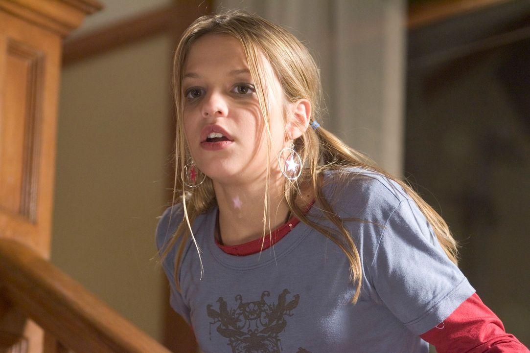 Die 13-jährige Nicole (Carson Brown) fühlt sich von ihrer Mutter Carol vernachlässigt und sucht sich einen brisanten Zeitvertreib: Sie gibt sich gef...