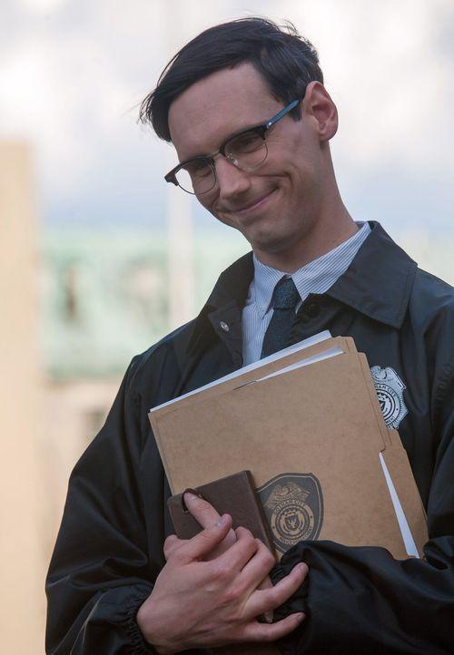 Kann Edward Nygma (Cory Michael Smith) bei der Klärung der Mordfälle an mehreren Politikern behilflich sein? - Bildquelle: Warner Bros. Entertainment, Inc.