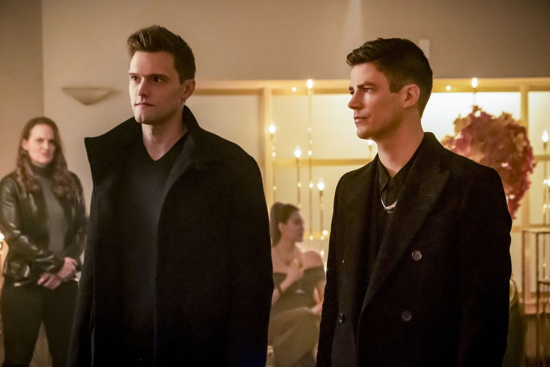 Ralph (Hartley Sawyer, l.); Barry (Grant Gustin, r.) - Bildquelle: Katie Yu 2018 The CW Network, LLC. All rights reserved.