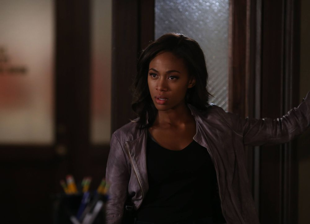 Als eine Bank von einer eigentlich freundlichen und verantwortungsvollen Frau überfallen wird, ahnt Abbie (Nicole Beharie), dass hier böse Mächte am... - Bildquelle: 2014 Fox and its related entities. All rights reserved.