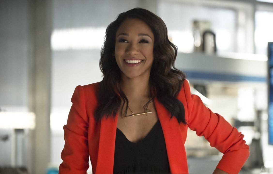 Iris (Candice Patton) redet Barry ins Gewissen und erinnert ihn daran, wer er eigentlich ist ... - Bildquelle: 2015 Warner Brothers.
