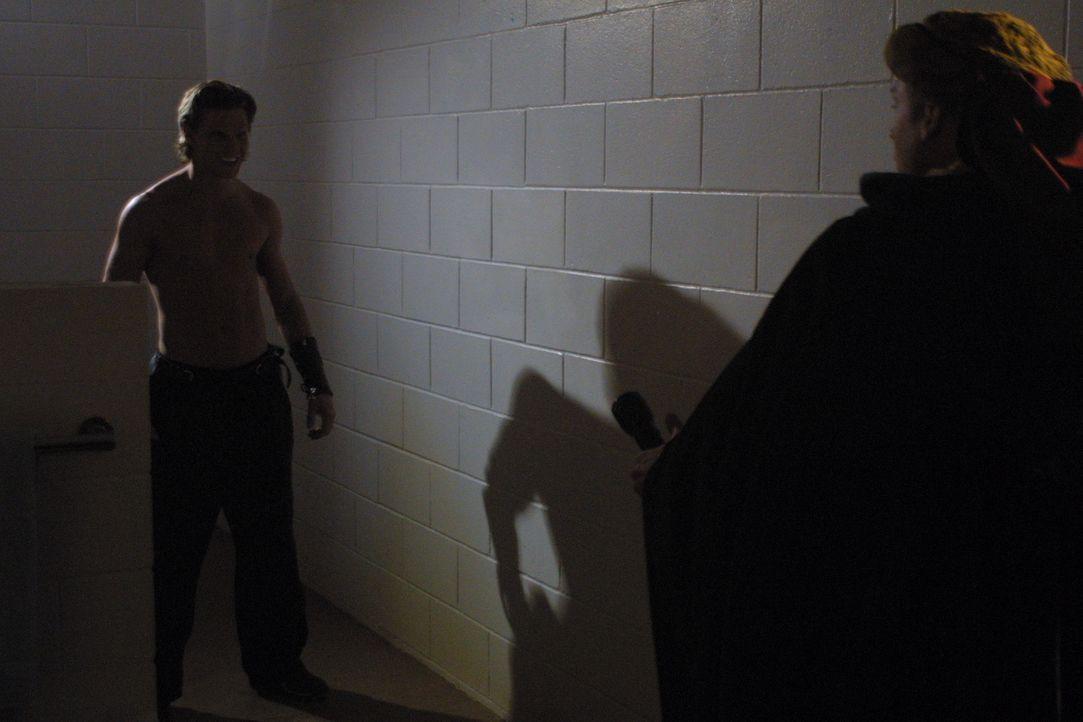 Als Kip (Andrew Hrankowski) über und über mit roter Farbe - oder ist es Blut? - überschüttet wird, will er erstmal eine Dusche nehmen, wird allerdin... - Bildquelle: Regent Entertainment