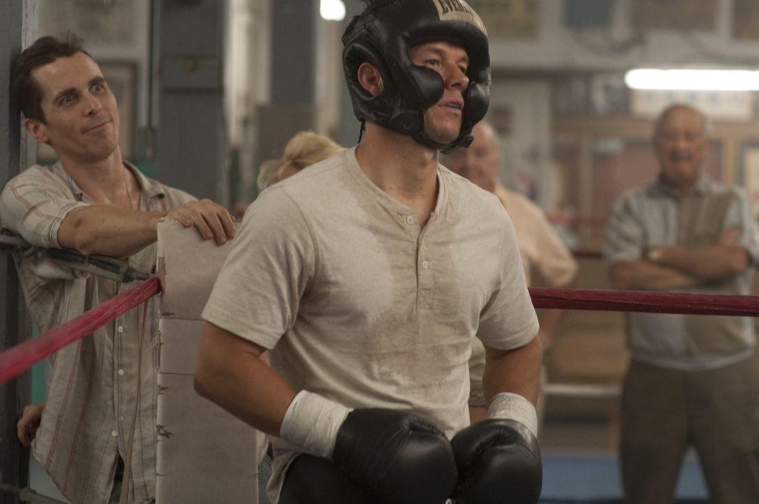Trotz harten Trainings wartet Boxer Micky Ward (Mark Wahlberg, r.) schon seit Jahren vergeblich auf den ersehnten Durchbruch. Liegt es an seinem Tra... - Bildquelle: 2010 Fighter, LLC All Rights Reserved