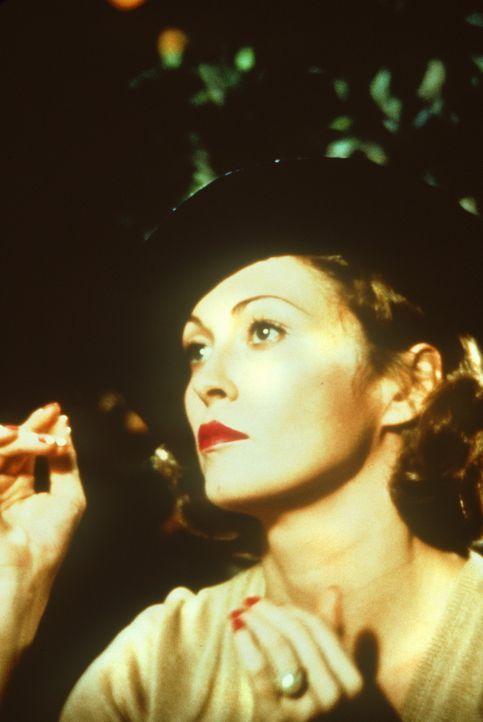 Weiß die reizvolle, aber undurchsichtige Witwe Evelyn (Faye Dunaway) mehr, als sie zugibt? - Bildquelle: Paramount Pictures