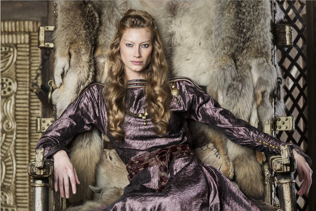 (4. Staffel) - Wird sie Ragnar, ihrem Ehemann, treu zur Seite stehen? Aslaug (Alyssa Sutherland) ... - Bildquelle: 2016 TM PRODUCTIONS LIMITED / T5 VIKINGS III PRODUCTIONS INC. ALL RIGHTS RESERVED.