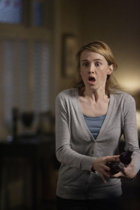 Macht sich große Sorgen um ihren Mann: Amelia Novak (Wynn Everett) ... - Bildquelle: Warner Bros. Television