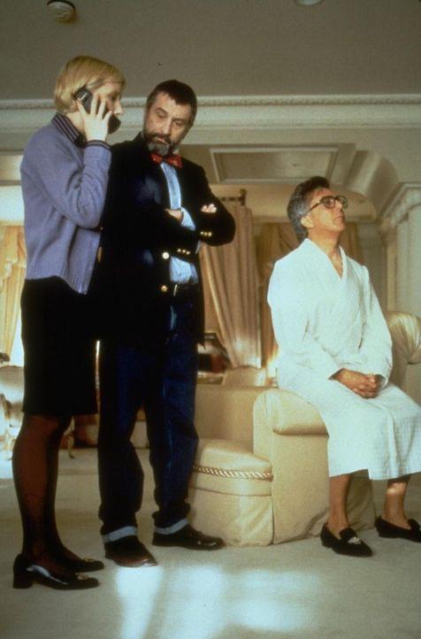Gemeinsam mit dem abgebrühten Hollywood-Produzenten Stanley Motss (Dustin Hoffmann, r.) entwickeln Sicherheitsberater Ronnie Brean (Robert De Niro,... - Bildquelle: New Line Productions, Inc.