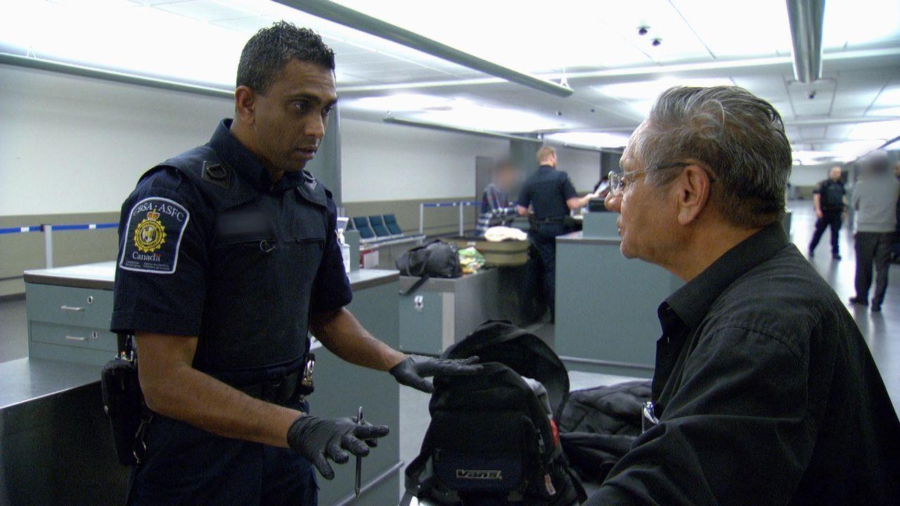 Täglich müssen die Zollbeamten Hunderte von Reisende am Grenzübergang kontrollieren. - Bildquelle: Force Four Entertainment / BST Media 2 Inc.