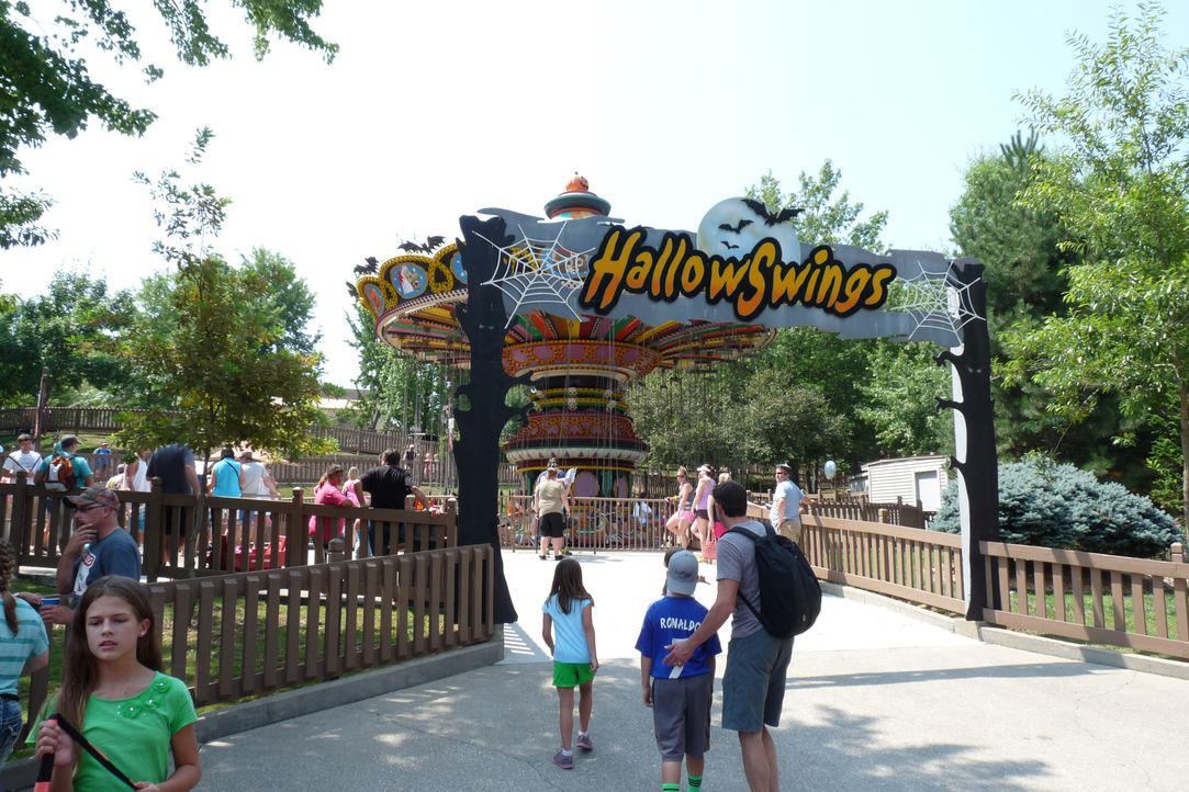 "Absolutes Highlight des ""Holiday World"" in Indiana: das Hallow Swings ... - Bildquelle: 2014, Great American Country/Scripps Networks, LLC. All Rights Reserved."