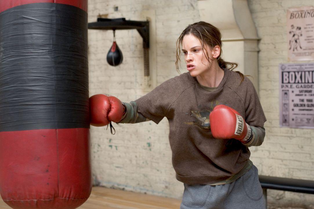 Maggie Fitzgerald (Hilary Swank) hat nur einen Traum. Sie will boxen und sie will Erfolg! Dafür ist sie bereit, unermüdlich zu trainieren. Doch Fran... - Bildquelle: Epsilon Motion Pictures