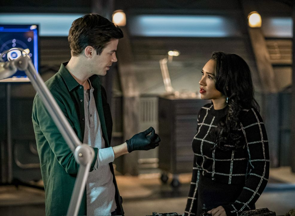Barry Allen (Grant Gustin, l.); Iris West-Allen (Candice Patton, r.) - Bildquelle: 2019 The CW Network, LLC. All rights reserved.