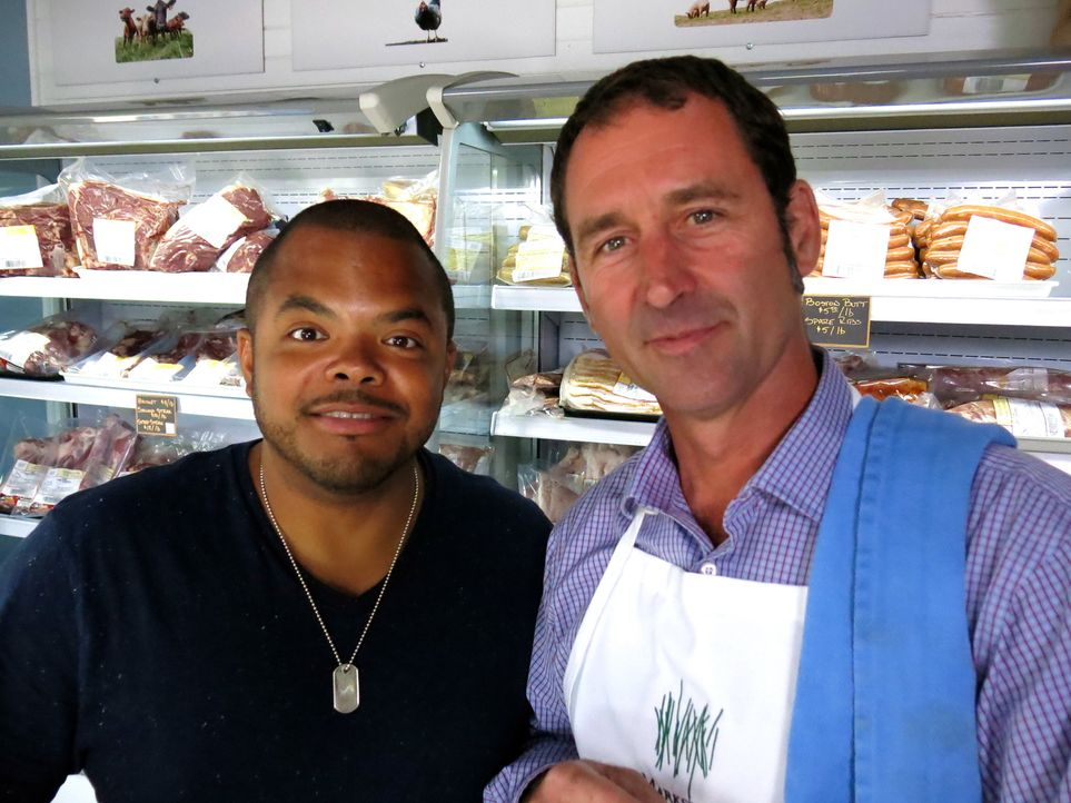 Roger Mooking (l.) - Bildquelle: 2014, Cooking Channel, LLC. All Rights Reserved.
