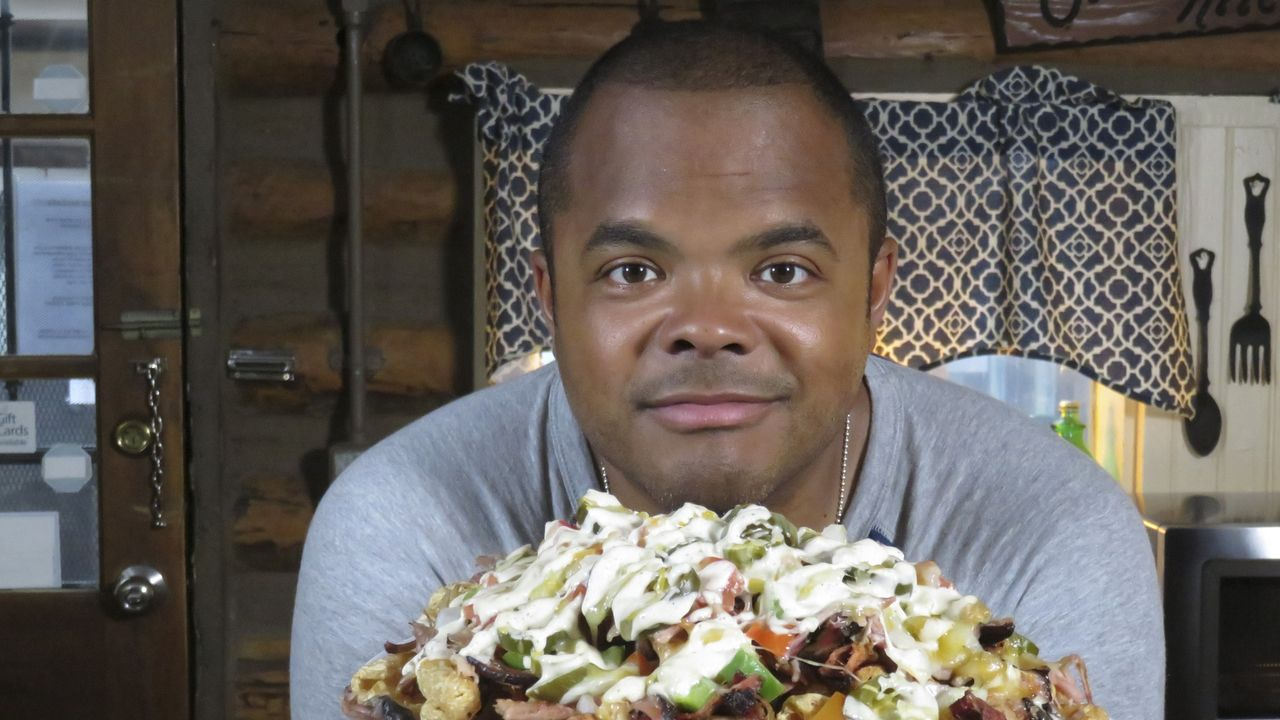 Roger Mooking - Bildquelle: 2019, Cooking Channel, LLC. All Rights Reserved.