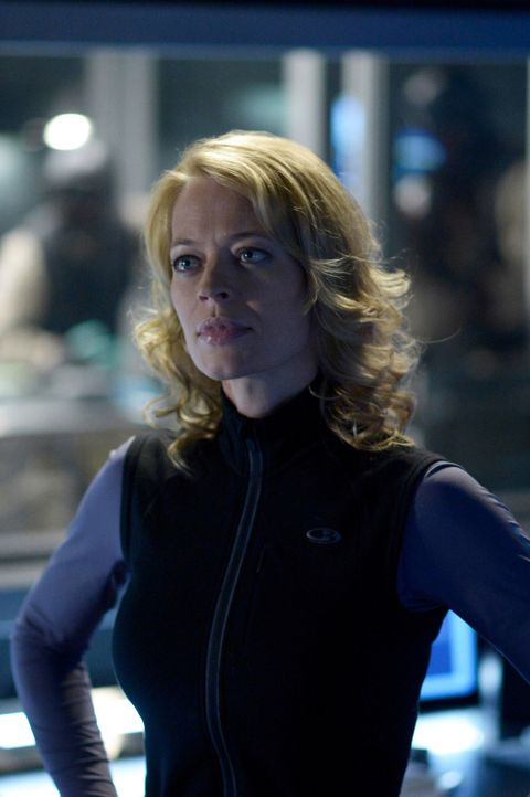 Um das Beste aus dem CDC Team herauszuholen, trifft Constance Sutton (Jeri Ryan) eine fragwürdige Entscheidung ... - Bildquelle: 2014 Sony Pictures Television Inc. All Rights Reserved.