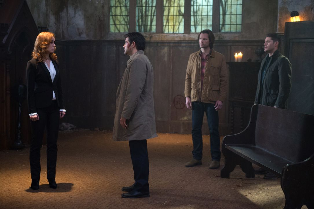 (v.l.n.r.) Lily Sunder (Alicia Witt); Castiel (Misha Collins); Sam (Jared Padalecki); Dean (Jensen Ackles) - Bildquelle: Diyah Pera 2016 The CW Network, LLC. All Rights Reserved / Diyah Pera