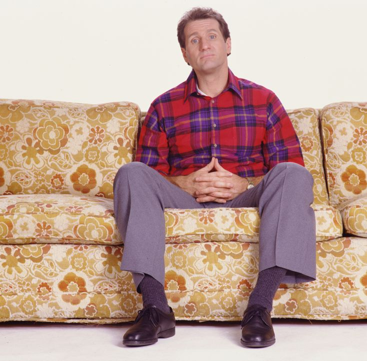 (2. Staffel) - Am liebsten sitzt der Schuhverkäufer Al Bundy (Ed O'Neill) auf seiner Couch ... - Bildquelle: Sony Pictures Television International. All Rights Reserved.