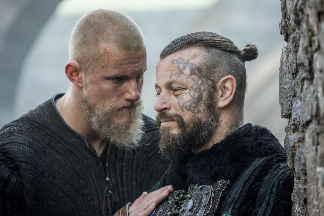 Björn (Alexander Ludwig, l.); Harald (Peter Franzén, r.) - Bildquelle: 2017 TM PRODUCTIONS LIMITED / T5 VIKINGS V PRODUCTIONS INC. ALL RIGHTS RESERVED.