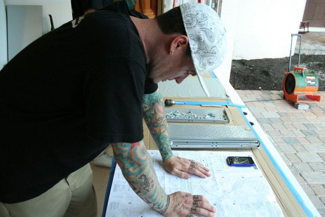 Heute hat Rob alias Vanilla Ice ganz besondere Pläne: Die Garage soll sich von einem Schandfleck in ein Schmuckstück verwandeln ... - Bildquelle: 2010, DIY Network/Scripps Networks, LLC.  All Rights Reserved