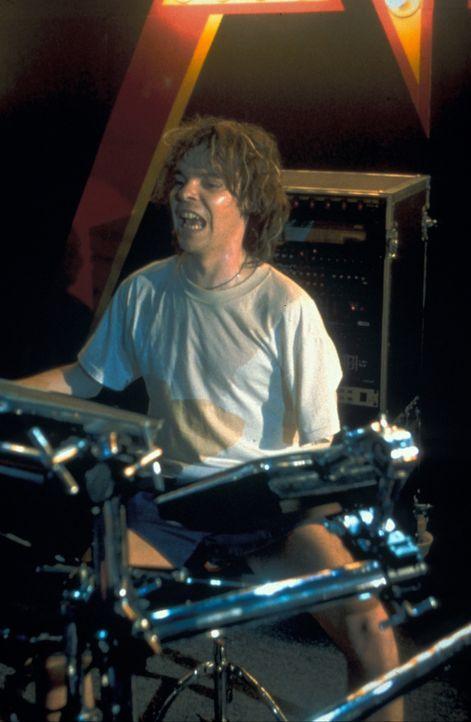 Wird der tragische Unfall von Rick Allen (Tat Whalley) die Band verändern? - Bildquelle: 2001 PARAMOUNT PICTURES