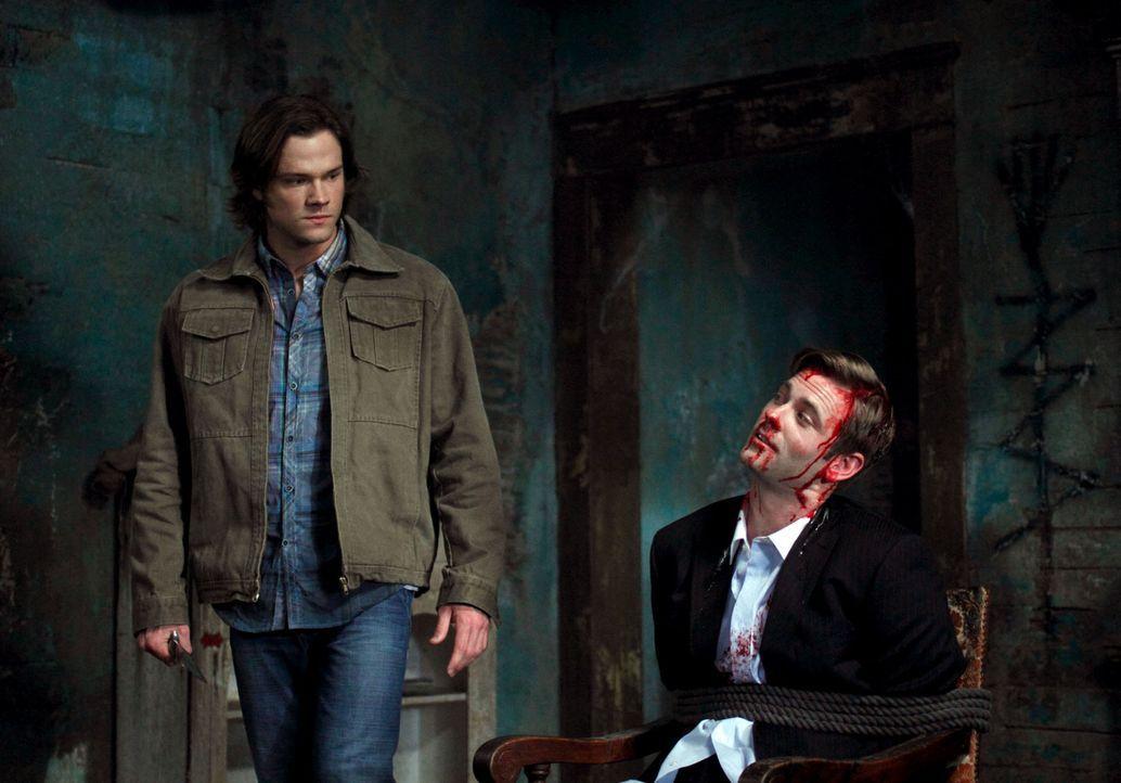 Crowley führt die Brüder zu Brady, der rechten Hand von Pestilence und wie es sich herausstellt, haben Sam (Jared Padalecki, l.) und Brady (Eric Joh... - Bildquelle: Warner Brothers