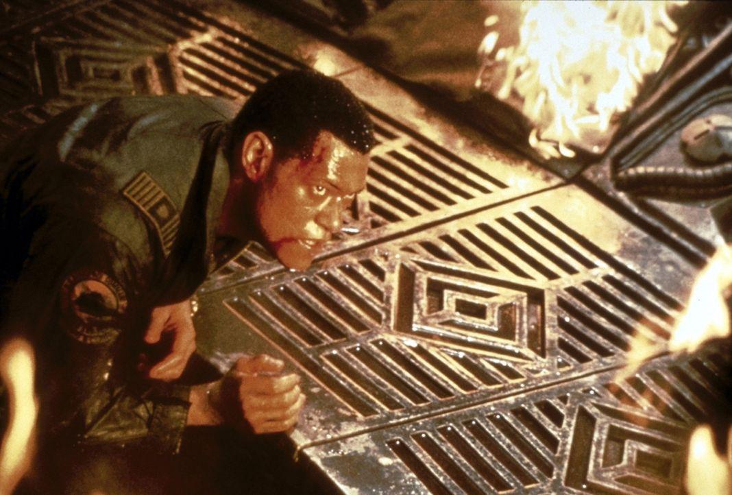 Auf Captain Miller (Lawrence Fishburne) und seine Mannschaft wartet die Hölle ... - Bildquelle: Paramount Pictures