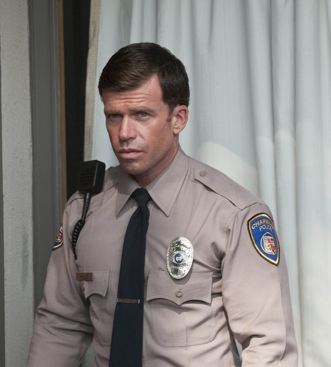 Nachdem David Hale (Taylor Sheridan) von Unser erfahren hat, dass Gemma von der Nazi-Gruppe vergewaltigt wurde, ändert er seine Haltung und will de... - Bildquelle: 2009 Twentieth Century Fox Film Corporation and Bluebush Productions, LLC. All rights reserved.