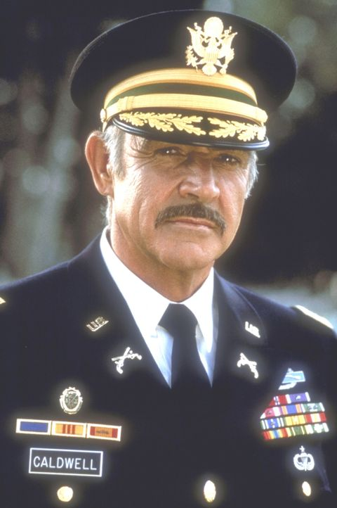 Auf militärischer Seite leitet Leutnant Colonel Alan Caldwell (Sean Connery) den Fall ... - Bildquelle: Paramount Pictures
