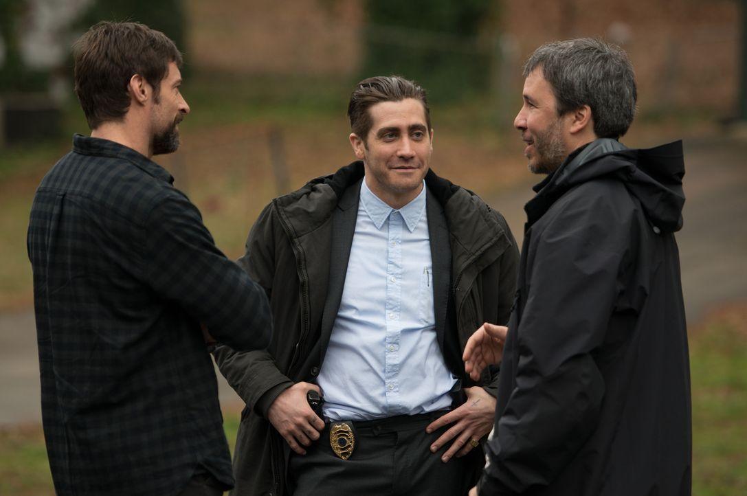 Am Set: (v.l.n.r.) Hugh Jackman, Jake Gyllenhaal und Denis Villeneuve - Bildquelle: TOBIS FILM. ALL RIGHTS RESERVED
