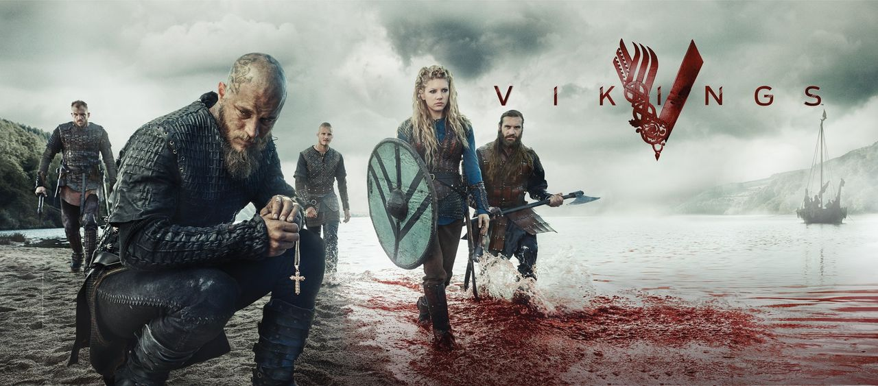 (3. Staffel) - Vikings - das Blutvergießen um Macht und Ruhm geht in die nächste Runde: Ragnar (Travis Fimmel, 2.v.l.), Rollo (Clive Standen, r.), L... - Bildquelle: 2015 TM PRODUCTIONS LIMITED / T5 VIKINGS III PRODUCTIONS INC. ALL RIGHTS RESERVED.