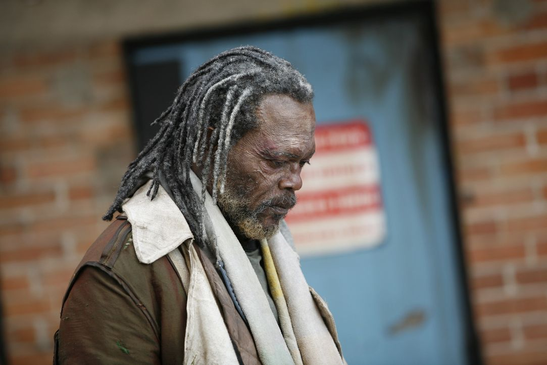 Als Champ (Samuel L. Jackson) von einer Horde Jugendlicher verprügelt wird, greift ein junger Mann ein, der sein Leben schlagartig verändern wird .....