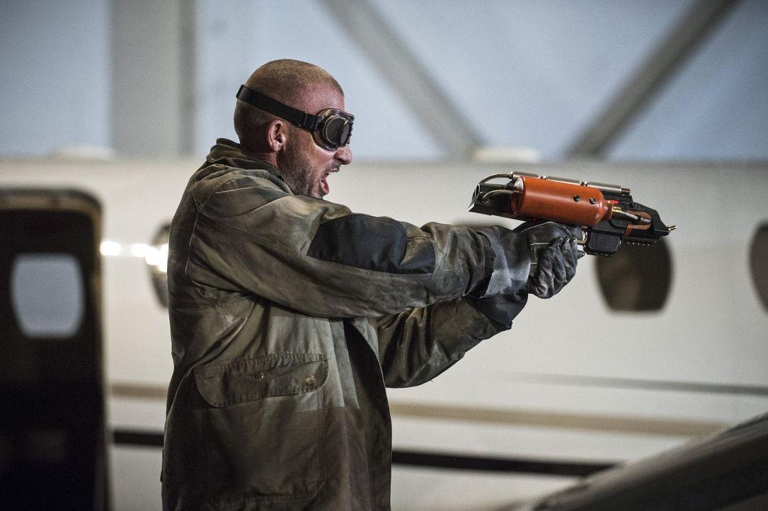 """Gemeinsam mit Mick Rory alias Heat Wave (Dominic Purcell) versucht Leonard Snart alias Captain Cold alles, um Barry alias """"The Flash"""" auszuschalten... - Bildquelle: Warner Brothers."""