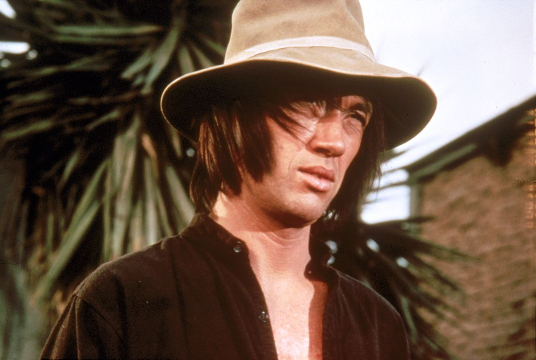 Der Shaolin-Mönch namens Kwai Chang Caine (David Carradine) ist auf der Suche nach seinem Halbbruder ... - Bildquelle: Warner Bros.