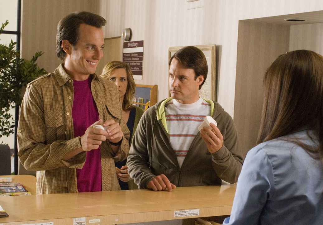 Weil die ersten Dates desaströs enden, fassen John (Will Arnett, l.) und Dean Solomon (Will Forte, r.) schließlich Janine (Kristen Wiig, M.) als Lei... - Bildquelle: 2007 Revolution Studios Distribution Company, LLC. All Rights Reserved