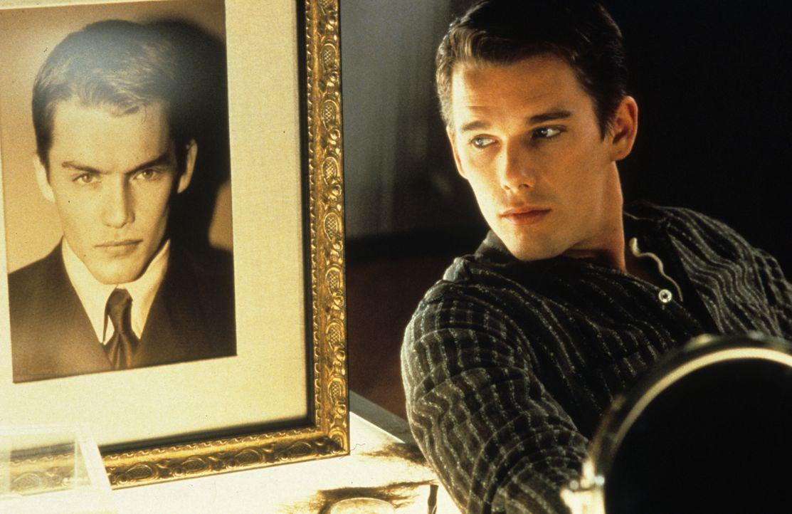 Weil seine Eltern das Geld für eine genetische Aufbereitung nicht aufbringen konnten, fristet Vincent Freeman (Ethan Hawke) sein Dasein in einer Put... - Bildquelle: Columbia Pictures