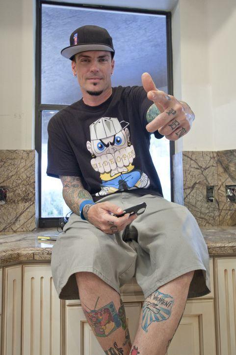 Dieses Mal fokussieren sich Vanilla Ice und sein Team auf die Herzstücke einer jeden Immobilie: Die Küche und das Esszimmer, in der die Menschen zus... - Bildquelle: 2012, DIY Network/Scripps Networks, LLC.  All Rights Reserved.