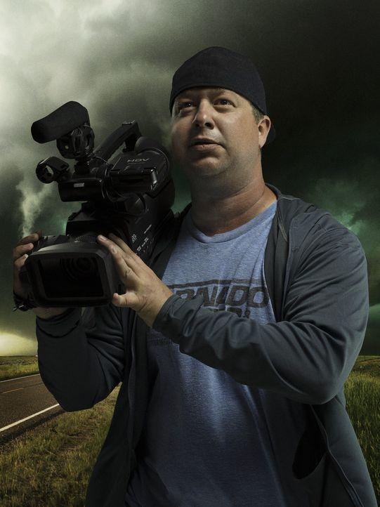 Chris Chittick kennt keine Angst. Für gute Bilder reist der Tornado Jäger den mächtigen Wirbelstürmen hinterher und kommt ihnen so manches Mal gefäh...