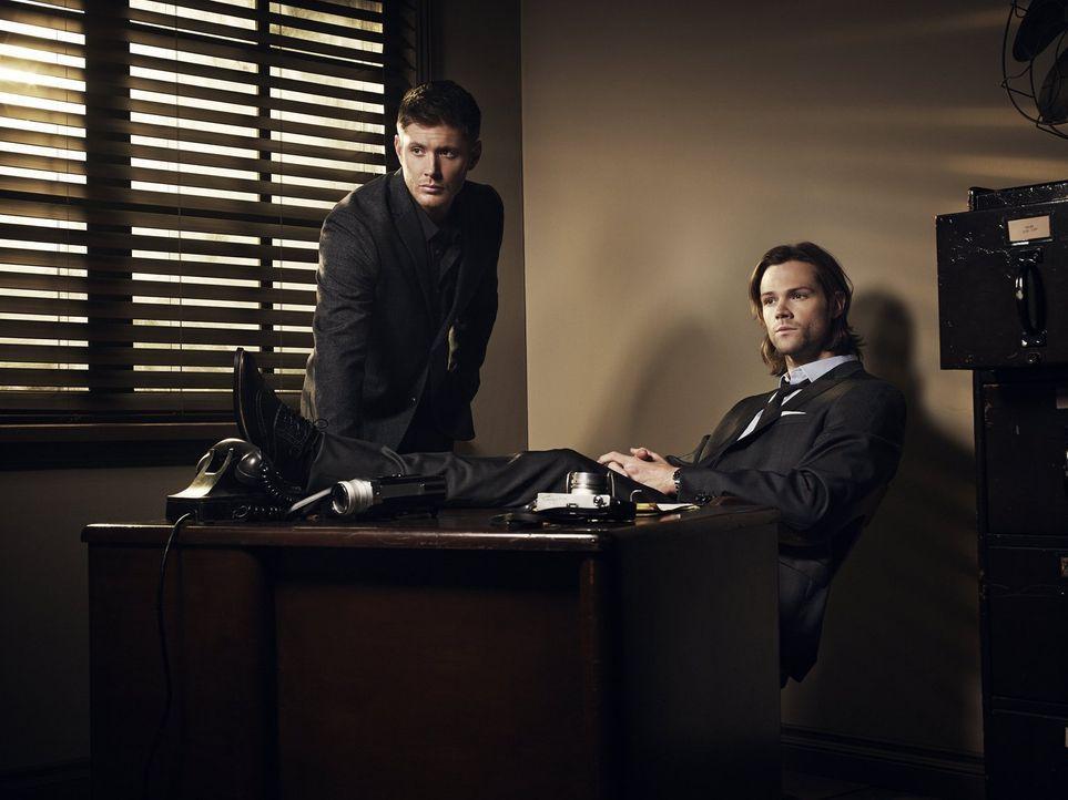 (11. Staffel) - Als Dean (Jensen Ackles, l.) und Sam (Jared Padalecki, r.) die Finsternis befreit haben, sorgt das nicht nur auf der Erde, sondern s... - Bildquelle: 2013 Warner Brothers