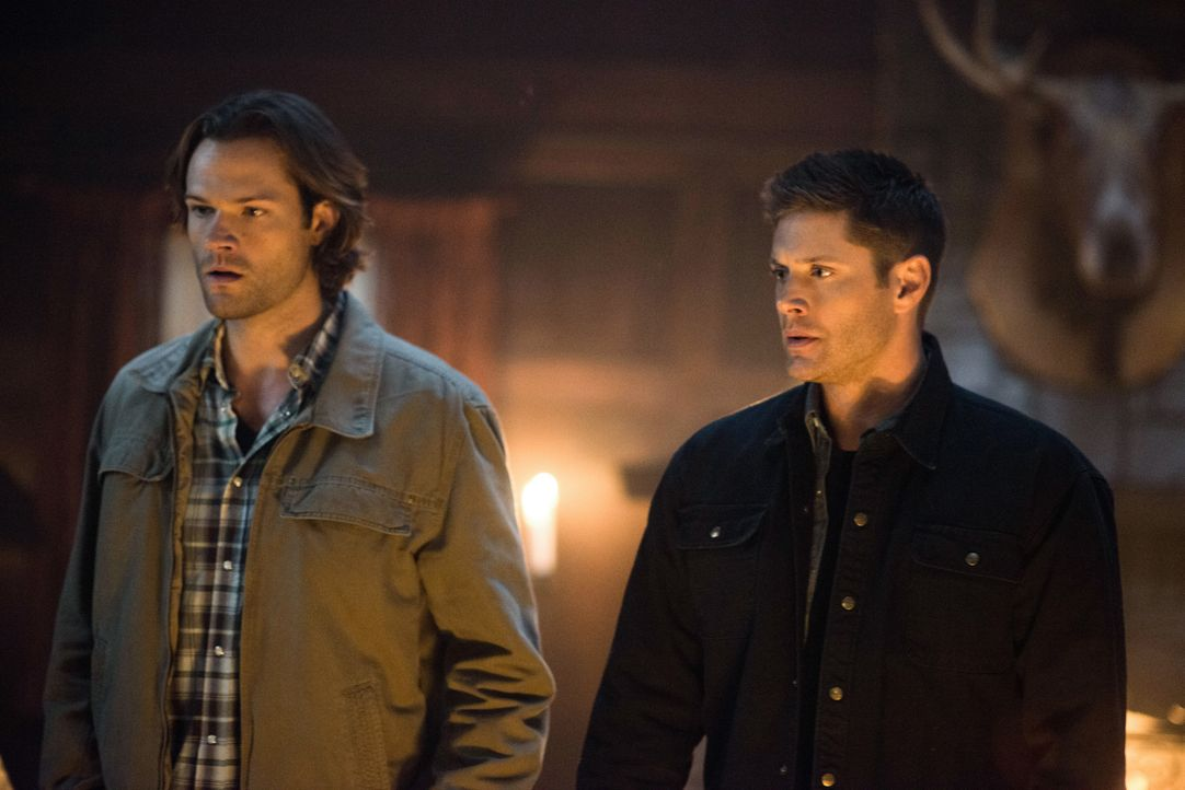 Sam (Jared Padalecki, l.); Dean (Jensen Ackles, r.) - Bildquelle: Diyah Pera 2016 The CW Network, LLC. All Rights Reserved / Diyah Pera