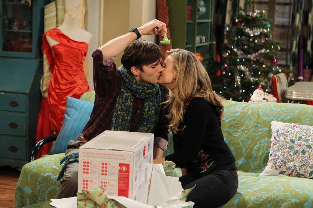 Sind glücklich miteinander: Walden (Ashton Kutcher, l.) alias Sam Wilson und Kate (Brooke D'Orsay, r.) ... - Bildquelle: Warner Brothers Entertainment Inc.