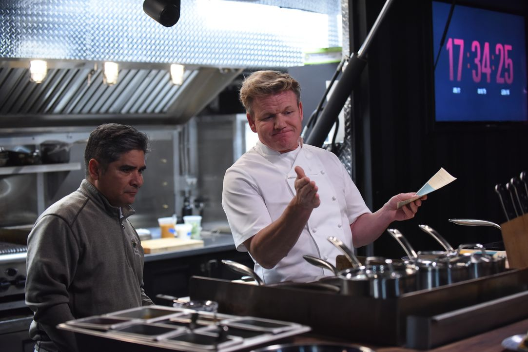 Gordon Ramsay (r.) - Bildquelle: Studio Ramsay and all3media international