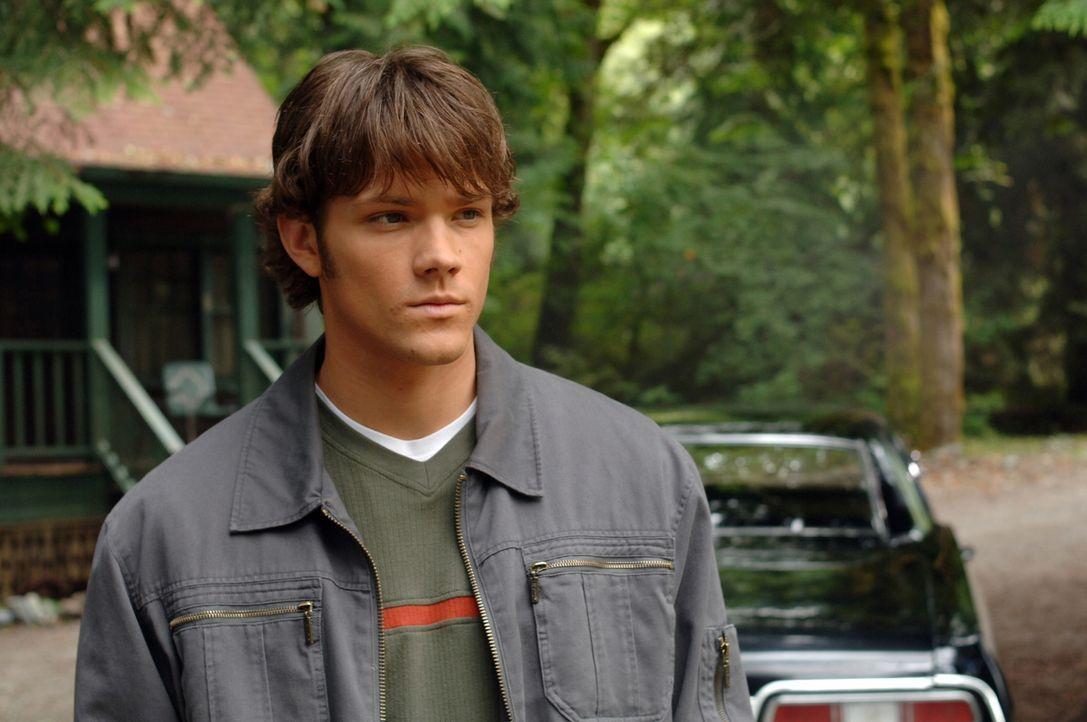 Geht dem mysteriösen Verschwinden eines jungen Mädchens nach: Sam (Jared Padalecki) ... - Bildquelle: Warner Bros. Television