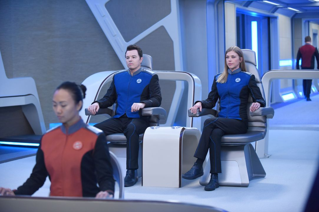 Captain Ed Mercer (Seth MacFarlane, l.); Commander Kelly Grayson (Adrianne Palicki, r.) - Bildquelle: 2019 Twentieth Century Fox Film Corporation. All rights reserved.