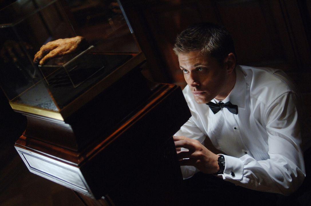 Dean Winchester (Jensen Ackles) untersucht eine Reihe mysteriöser Todesfälle. Die Opfer sind alle ertrunken, aber am Fundort der Leichen war weit un... - Bildquelle: Warner Bros. Television