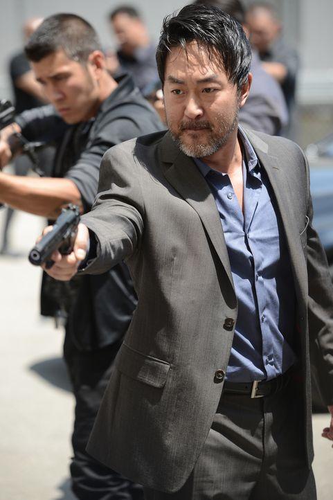 Während Jax nach den Gründen für den Verrat sucht, will Lin (Kenneth Choi) vor allem eines: Rache ... - Bildquelle: Prashant Gupta 2013 Twentieth Century Fox Film Corporation and Bluebush Productions, LLC. All rights reserved.