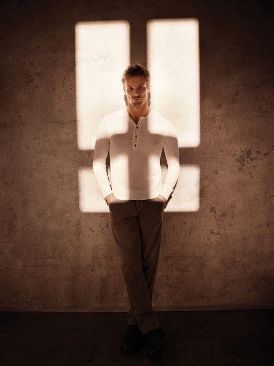 (1. Staffel) - Noch ahnt der Kriegsfotograf Damien Thorn (Bradley James) nicht, welche dunkle Mächte in ihm schlummern und sein 30. Geburtstag einen... - Bildquelle: 2016 A&E Television Network, LLC. All rights reserved.