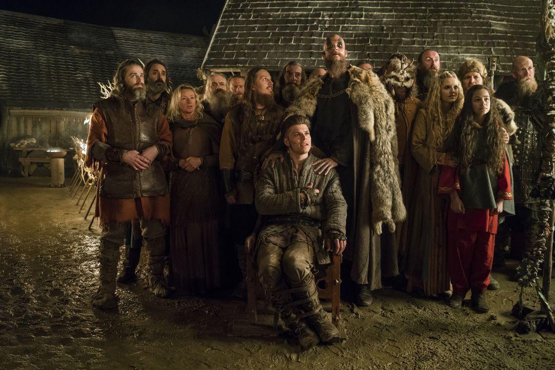 Während Harald weiter plant, König von ganz Norwegen zu werden, findet die große Opferzeremonie statt, um die Götter zu besänftigen, bevor sich die... - Bildquelle: 2016 TM PRODUCTIONS LIMITED / T5 VIKINGS III PRODUCTIONS INC. ALL RIGHTS RESERVED.