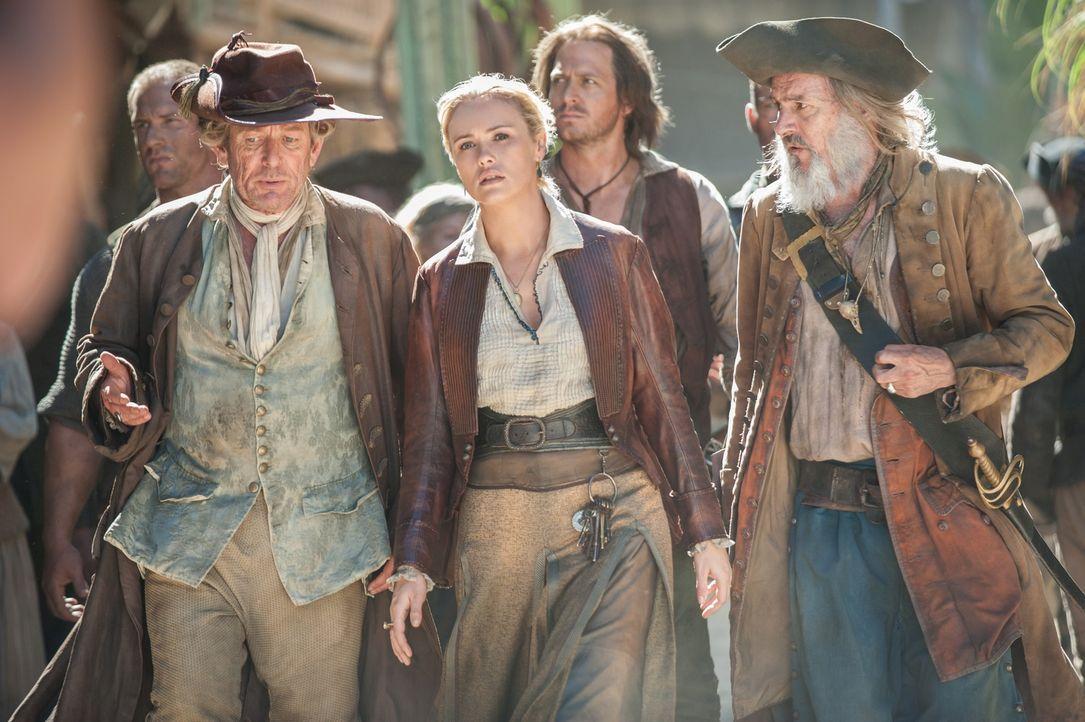 Da sie die Aktion anders und vor allem friedlicher geplant hatte, macht sich Eleanor Guthrie (Hannah New, M.) auf die Suche nach der Piratenbande, d... - Bildquelle: David Bloomer 2015 Starz Entertainment LLC, All rights reserved.