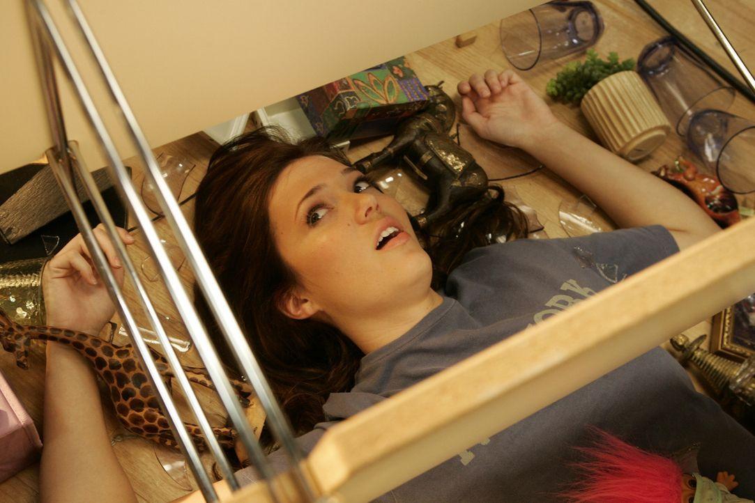 J.D. lernt Julie (Mandy Moore), ein nettes hübsches und enorm tollpatschiges Mädchen, kennen ... - Bildquelle: Touchstone Television